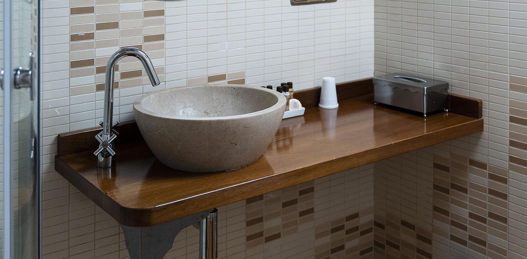 Habitación Sálvora, detalle del baño